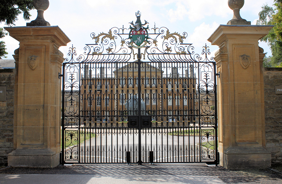 Anyhoe Park was designed by Sir John Soane& landscaped by Capability Brown. These intricate wrought iron gates were based on a 17th century design and style and werehandmade in our workshops by our skilledblacksmiths.