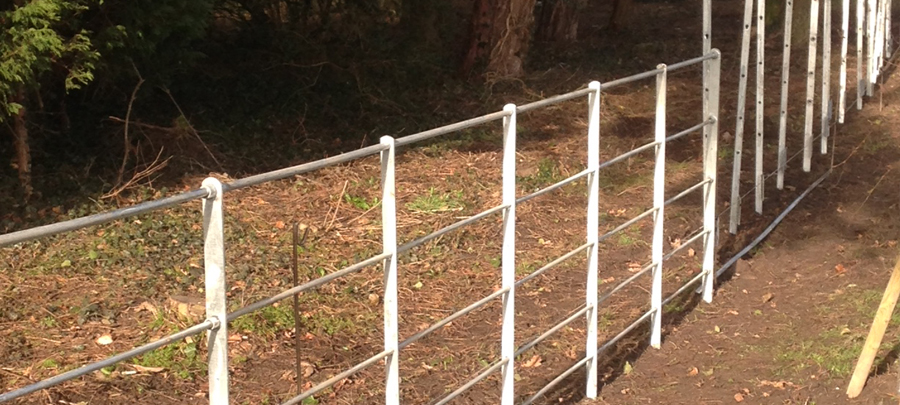 1.2m Round bar estate fencing unpainted