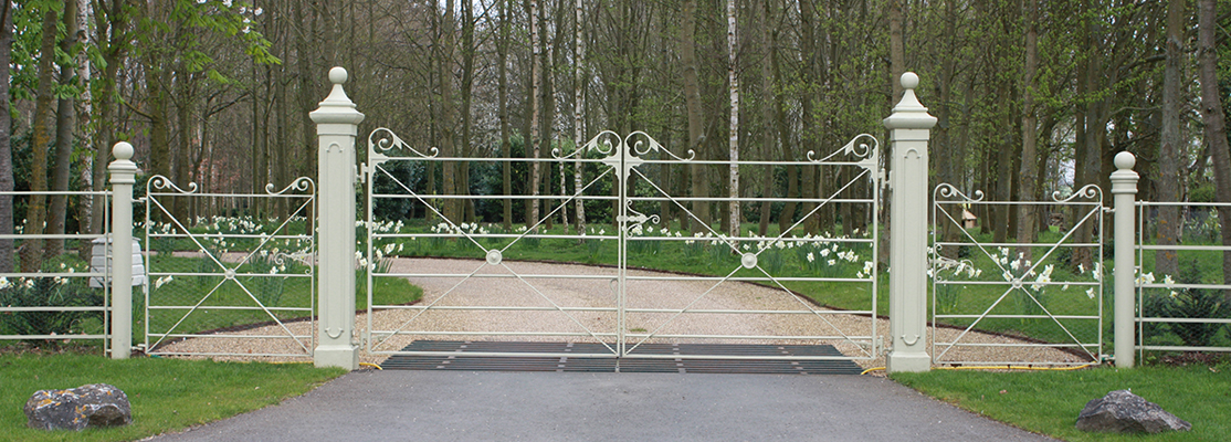 Gate Posts, Fencing and Gates by CD Ironworks