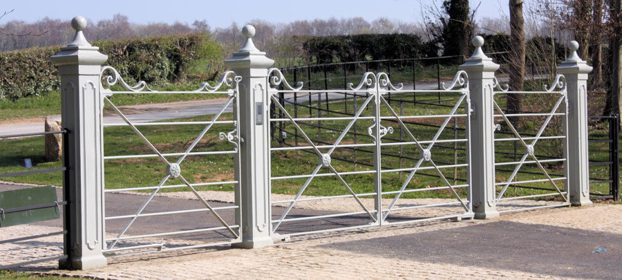 3600mm Double Deer Park with side gate